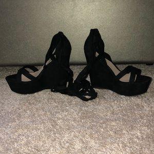 Black, lace up, velvet wedges!